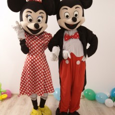 Mickey si Minnie Mouse Mascotele de la Disneyland in Iasi (2)