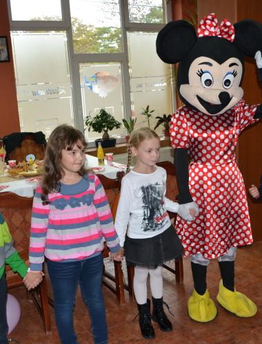 Animatori petreceri copii Vaslui – la domiciliu, Barlad, Tecuci, Husi, inchirieri mascote Disney, Spiderman, Mickey, Printesa Belle, Cenusareasa, preturi, pt