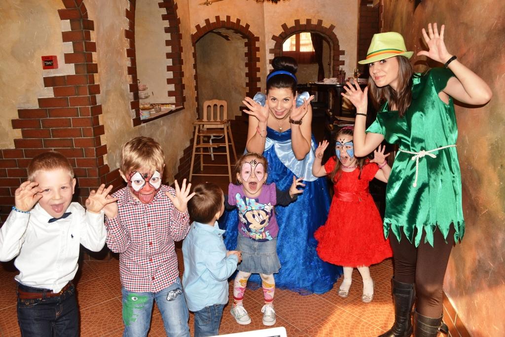 Petreceri pentru copii Vatra Dornei – Peter Pan si Cenusareasa