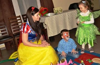 Petreceri pentru copii cu Alba ca Zapada in Iasi la Popas Paun