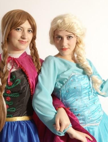 Anna si Elsa din Frozen in Iasi (4)